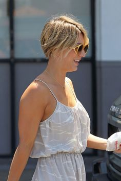 kaley cuoco pixie | Kaley Cuoco Cuts Hair Again, Reveals New Pixie Cut - Starpulse.com
