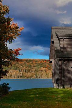 un maison noire au canada - Photo De Maison Au Canada