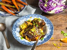 Braised Chinese-Style Short Ribs With Soy, Orange, and Powder Recipe Braised Short Ribs, Beef Short Ribs, Braised Beef, Serious Eats, Dutch Oven Recipes, Beef Recipes, Weekly Recipes, Powder Recipe, Orange Recipes