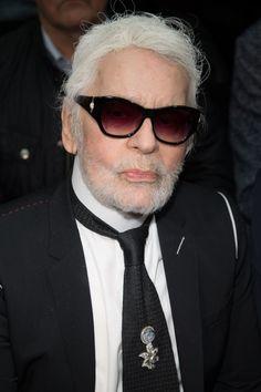 Mit Bart in Paris - Eine Vogue-Journalistin kommentiert den polarisierend schönen Grooming-Look von Karl Lagerfeld