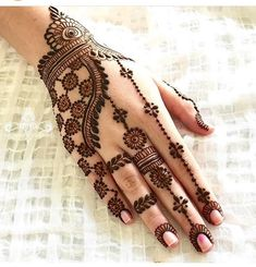 Explore latest Mehndi Designs images in 2019 on Happy Shappy. Mehendi design is also known as the heena design or henna patterns worldwide. We are here with the best mehndi designs images from worldwide. Henna Hand Designs, Mehndi Designs Finger, Simple Arabic Mehndi Designs, Mehndi Designs For Beginners, Modern Mehndi Designs, Mehndi Design Pictures, Beautiful Henna Designs, Mehndi Designs For Hands, Henna Tattoo Designs