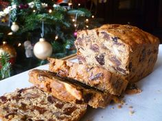 gluten and refined sugar free fruit cake - now that sounds like a great food-gifting idea!