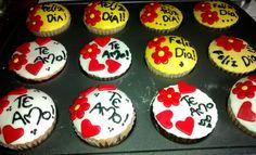 Cupcakes amor y amistad cubierta fondant corazones