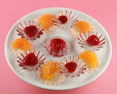 Agar Agar or Kanten Fruit Jellies (aka Vegan Jello) Fruit Jelly Recipe, Jelly Recipes, Ice Cream Recipes, Vegan Jello, Vegan Gummies, Raw Desserts, Asian Desserts, Dessert Recipes, Red Beans Recipe