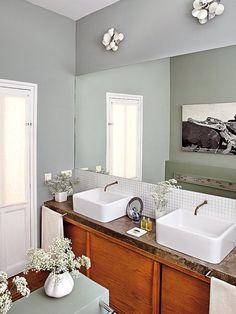 Baño con lavabos individuales