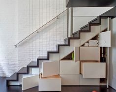 Check Out Modern Staircase Design For Your Home. Most modern staircase design is meticulously detailed, exposing all the working elements and eschewing trim, moldings, and other decoration. Loft Design, Storage Design, House Design, Storage Ideas, Diy Storage, Cabin Design, Design Shop, Design Design, Staircase Storage