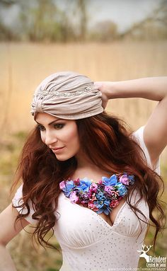 Sohemi_art / Kvetinový náhrdelník Flower Headbands, Soho, Flowers, Fashion, Moda, Fashion Styles, Small Home Offices, Royal Icing Flowers, Fashion Illustrations