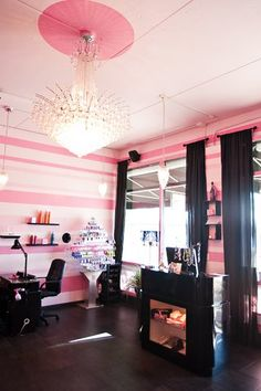 Pink/Black salon.
