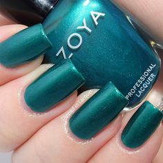 Dipped in Lacquer - Zoya Giovanna