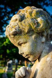 Memphis Elmwood Cemetery - Boy Angel Vertical #memphis #elmwoodcemetery #angel @jon_woodhams