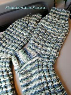 Fingerless Gloves, Arm Warmers, Knitting Patterns, Knit Crochet, Socks, Fashion, Fingerless Mitts, Moda, Knit Patterns