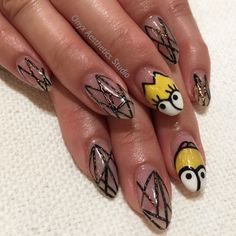 Simpsons nails ft. Lisa and Homer #nailart