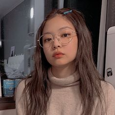 Find images and videos about aesthetic, ulzzang and icon on We Heart It - the app to get lost in what you love. Mode Ulzzang, Ulzzang Girl, Blackpink Jennie, Kpop Aesthetic, Aesthetic Girl, Kpop Girl Groups, Kpop Girls, Black Pink Kpop, Blackpink Photos