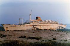 FARO É FARO: Recordando o Paquete Infante D. Henrique Transportation, Ship, Hale Navy, Interesting Stuff, Ships, Light House, Boat