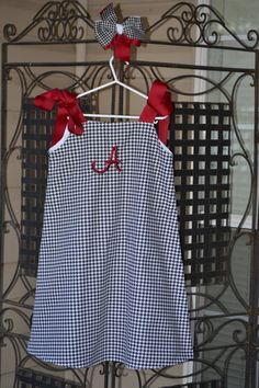 Classic Bama houndstooth jumper...very cute!