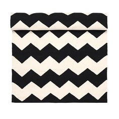 Day Home rug www.day-home. Home Rugs, Cushions, Textiles, Quilts, Blanket, Home Decor, Throw Pillows, Toss Pillows, Decoration Home