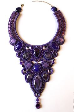 Anna Galash is talanted bead artist from Ukraina who makes amazing jewelry in bead embroidery
