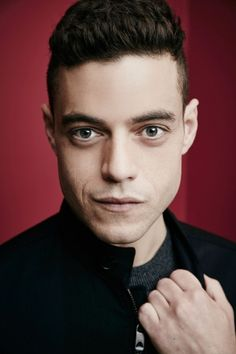 Rami Malek  > Photoshoot 2015  > Set 011  http://rami-malek.org/photos/thumbnails.php?album=183