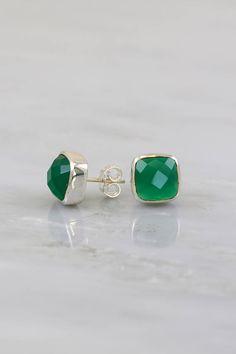 14k Gold Green Onyx Earrings Emerald Green Bezel Simple Teardrops Small Dainty