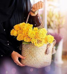 Yellow Rose of Texas Flowers Dp, Butterfly Flowers, Flower Frame, My Flower, Beautiful Roses, Beautiful Hands, Girly Dp, Dps For Girls, Modern Mehndi Designs