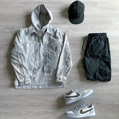"""Terrel Marcus on Instagram: """"What's On The Grid? @outfitgrid @dennistodisco Jacket: @johnelliottco Hoodie: @johnelliott_ Pants: @kith Sneakers: @jumpman23 x…"""""""
