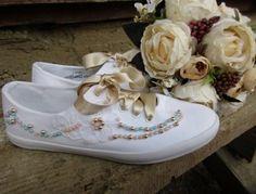 Plátené tenisky bielej farby zdobené čipkou a perličkovými korálkami...v prípade objednávky si napíšte veľkosť akú potrebujete Sneakers, Wedding, Shoes, Fashion, Tennis Sneakers, Casamento, Sneaker, Zapatos, Moda