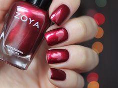 """""""Zoya Isla #everydayzoya #zoyanailpolish #марафонкрасныймарт спасибо, Жень! Нанесла и влюбилась, все ж он отличается от рождественского опенка @dyshanaryzhy"""""""
