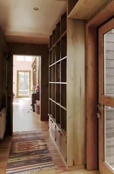 shelves above doors and in hallways for extra storage Hallway Shelving, Shelves, Mudroom Laundry Room, Small Modern Home, Small Courtyards, Types Of Houses, Tiny Houses, Unusual Homes, Humble Abode