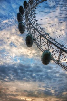 The wheel #London. #England #United_Kingdom. from Trey Ratcliff at www.StuckInCustom... - all images Creative Commons Noncommercial