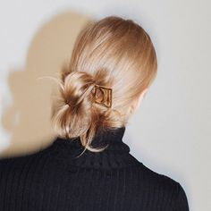 1,325 mentions J'aime, 5 commentaires – The Dreslyn (@thedreslyn) sur Instagram : «Weekend ready #hairaccessories #chignon #style #thedreslyn»