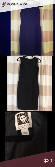 Navy v-neck dress - Anne Klein This dress is a perfect dress to transition from the work day to an evening out. The v neck adds style to the classic sheath dress. It hits right at the knee making it extremely versatile. The dress has only been worn 2 or 3 times. Anne Klein Dresses