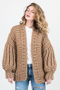 Thick Sweaters, Cool Sweaters, Sweater Outfits, Cute Outfits, Chunky Cardigan, Knitting Magazine, Mohair Sweater, Lana, Boho Fashion
