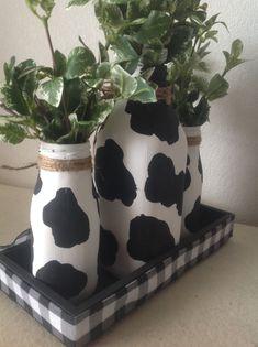 Small Milk Bottles, Glass Milk Bottles, Bottles And Jars, Rag Garland, Fabric Garland, Farmhouse Style Decorating, Farmhouse Decor, Milk Bottle Centerpiece, Artificial Boxwood