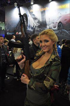Flight Attendant Hot, Pistol Annies, Raiders Girl, Combat Training, Outdoor Girls, Female Soldier, Military Women, Cool Guns, N Girls
