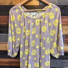 ‼️Boden floral tunic top‼️ Gray and yellow floral, 3/4 length sleeve, tunic top Boden Tops Tunics
