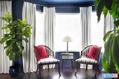 Decorating With Dark Paint Colors - http://www.decorationous.com/decoration-ideas/decorating-with-dark-paint-colors.html