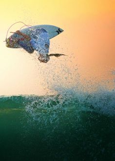 Surf color  Lakey Peterson