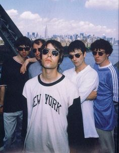 Liam and Noel though. Liam Gallagher Oasis, Noel Gallagher, Liam And Noel, Oasis Band, Collage Des Photos, El Rock And Roll, Cult, Britpop, Wonderwall