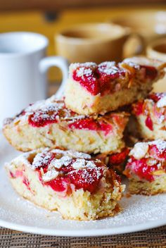 Strawberry almond cake bars - why not make these for Valentine's Day?