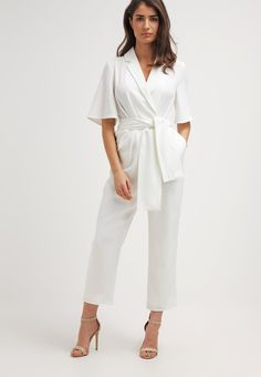 Get the perfect jumpsuit for the summer - here is 12 awesome jumpsuits in stores now!