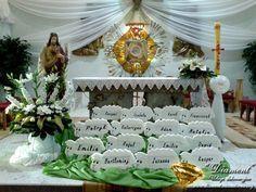 Altar Flowers, Church Flowers, Corpus Christi, Church Altar Decorations, Table Decorations, First Communion Decorations, Catechism, First Holy Communion, Kirchen
