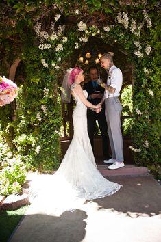 Breaking Vegas: Punk Rock Wedding at The Flamingo · Rock n Roll Bride