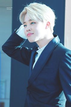 Recently people have been making death threats about Jimin and they say that they will attempt to kill him at BTS' concert in California on the 1st April 2017- please tweet using the hashtag #ArmysWillProtectJimin on Twitter to raise awareness or use other social media platforms to raise awareness!