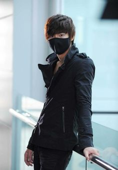 Lee Min Ho in City Hunter....probably my favorite Korean Drama!