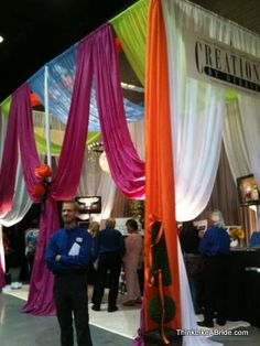 example of a great bridal show booth Wedding Show, Wedding Bride, Bridal Show Booths, Booth Decor, Show Case, Warehouse Wedding, Wedding Preparation, Trade Show, Jewellery Display