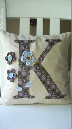 e78892baa7 A(z) pillow nevű tábla 13 legjobb képe | Cushions, Handarbeit és ...