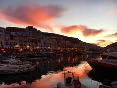 New Years Eve Sunset in Ponza Port // www.gillianslists.com