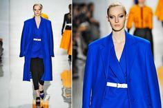 Eletric blue: azul vibrante dá o tom dos desfiles de inverno 2014
