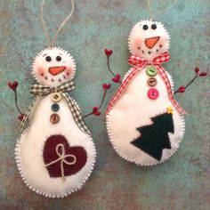 Christmas Vintage Snowman / Snowman Felt Ornaments / Classic Vintage Snowman Ornaments / Set of 2 / Handmade Ornaments