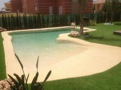If you are working with the best backyard pool landscaping ideas there are lot of choices. You need to look into your budget for backyard landscaping ideas Beach Entrance Pool, Backyard Beach, Small Backyard Pools, Backyard Pool Designs, Small Pools, Swimming Pools Backyard, Swimming Pool Designs, Pool Landscaping, Backyard Patio